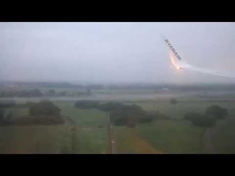Very Bad and Dangerous Landing In Budapest - Hungary Airport By The Pilot