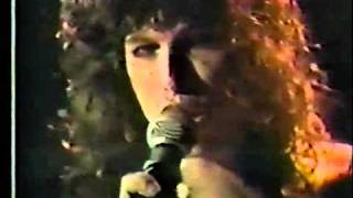 Walk This Way live-Aerosmith concert 1977 No copyright intended.