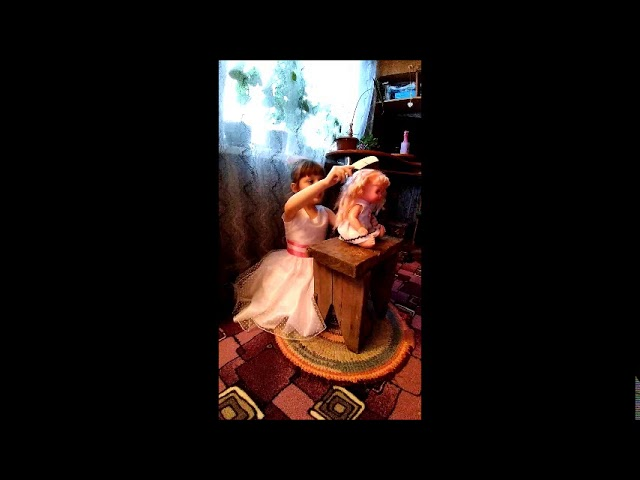 Изображение предпросмотра прочтения – АринаБогданова читает произведение «Расти коса до пят» (Русский фольклор )