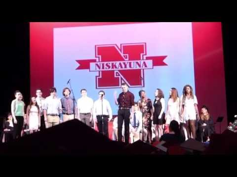Studio singer seniors perform at Nisky graduation