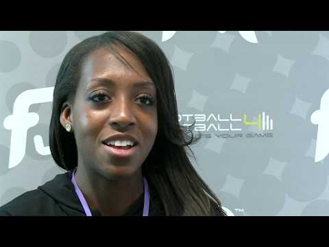 Danielle Carter Arsenal and England Ladies joins the PFSA on our Level 2 Talent ID Course