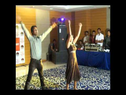Kuch Kam Bollywood Dancing.wmv