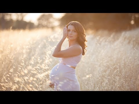 maternity-photoshoot-behind-the-scenes-with-stunning-pregnancy-model