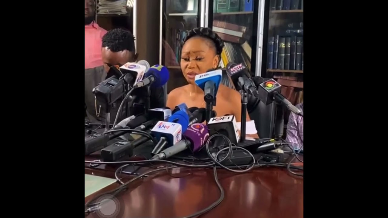Download Akuapem poloo breaks down in tears at press conference 😭😭😭😭
