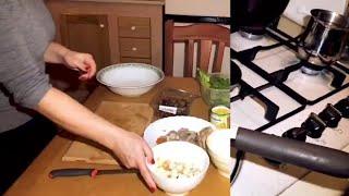 САЛАТ ИЗ ОТВАРНОГО МЯСА С ГРЕНКАМИ | легкий рецепт | на кухне с Maryvil.