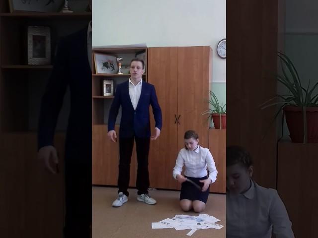 Изображение предпросмотра прочтения – ИванЛевин читает произведение «Она сидела наполу…» Ф.И.Тютчева