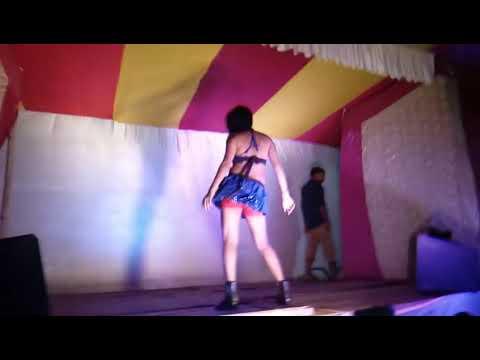 Laila main Laila hot dance Boogie Woogie dance sex dance Bhojpuri dance Tip Tip Barsa Pani thumbnail