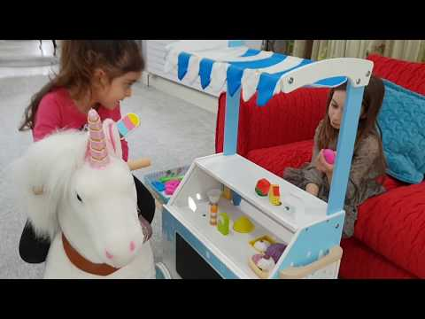 Emily Pretend Play with Pretend  Food Cart Toy