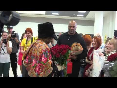 Meeting Yoshiki in Moscow 2014 05 18 1