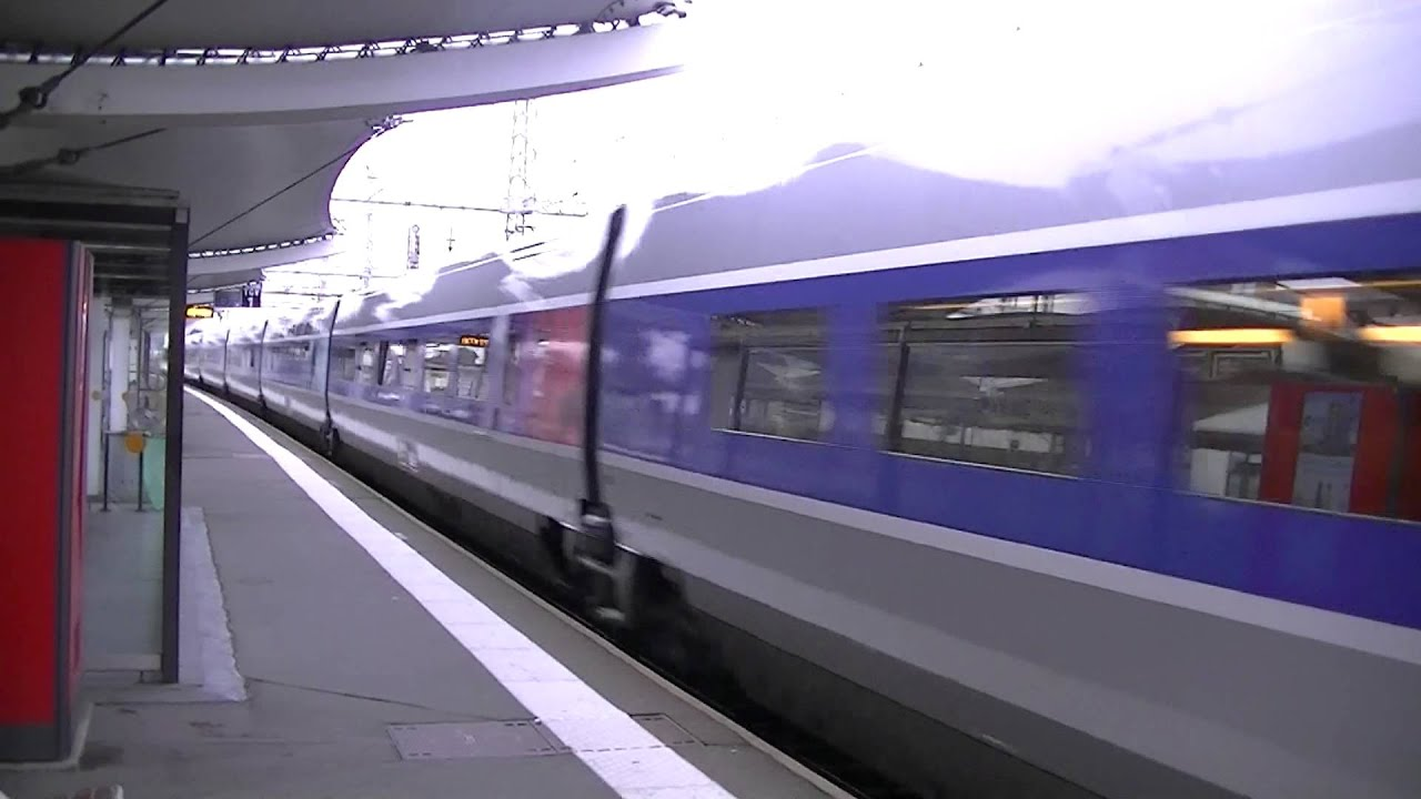 annonce passage d 39 un train tgv 8909 paris montparnasse le croisic youtube. Black Bedroom Furniture Sets. Home Design Ideas