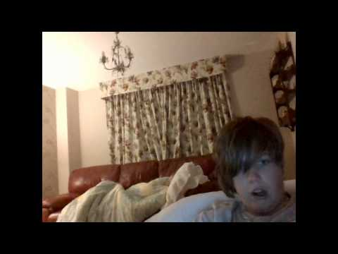 Webcam 2 boys and a bed