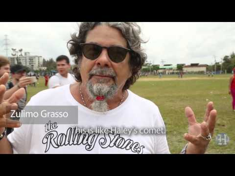 Cuban fans arrive for a free concert by the Rolling Stones