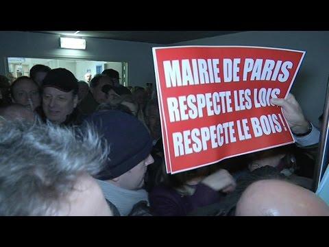 Centre d'hébergement de migrants au bois de Boulogne: le XVIe arrondissement se rebiffe