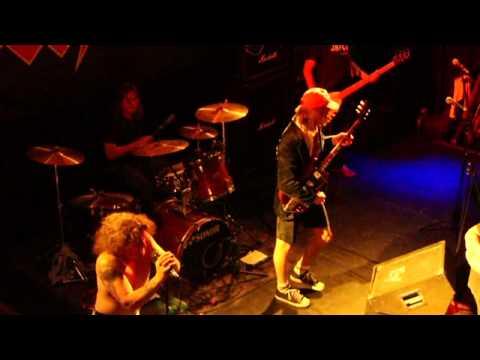 gimme-a-bullet-to-bite-on-live-(bon-scott-tribute-show)
