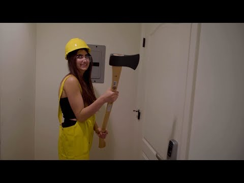 I CHOPPED MY DOOR DOWN WITH AN AXE!!