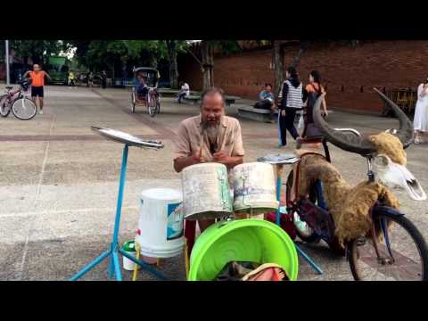Tour & Sighseeing: Daily Life in Thailand - Chiang Mai and Bangkok