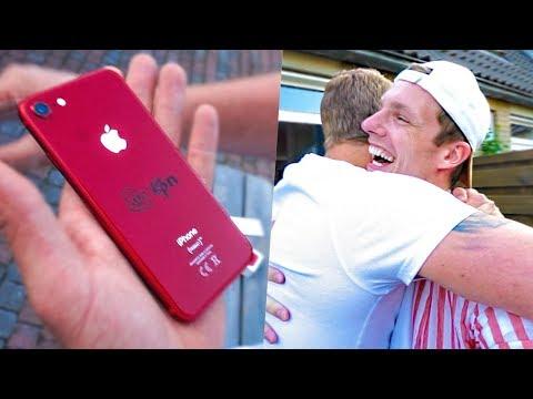 BESTE VRIEND VERRASSEN MET IPHONE 8 LIMITED EDITION! #1740