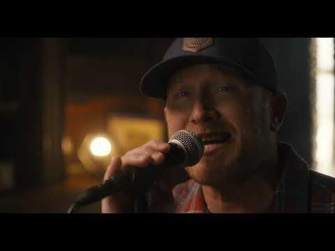 Смотреть клип Cole Swindell - Single Saturday Night