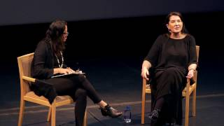 Marina Abramoviċ: Walk Through Walls