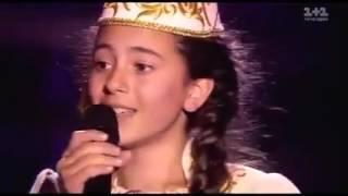 Tatar kızı Ukrayna'da yarışmada Türkçe şarkı söylüyor: