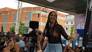 Tiwa Savage Performs 49-99 For The First Time.