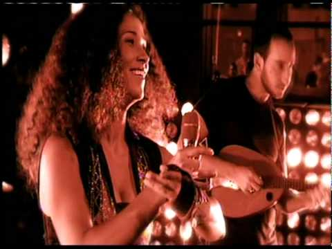Lamouni li gharou minni - Ghalia Benali feat. Tom Cohen
