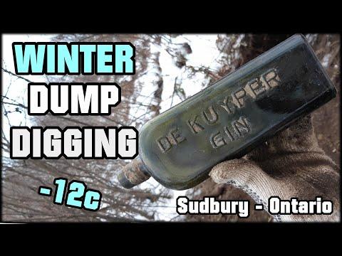 CANADIAN WINTER CREEK DUMP DIGGING! Searching For Antique Bottles! Digging Sudbury Ontario!
