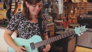 Baixar STANDING OUT IN A GUITAR SHOP [Solo Guitar]