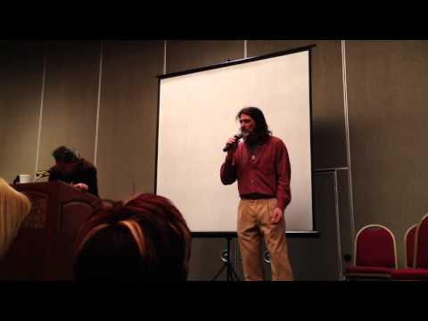 Jason Carter sings the MajorGeneral's  at Space City Con