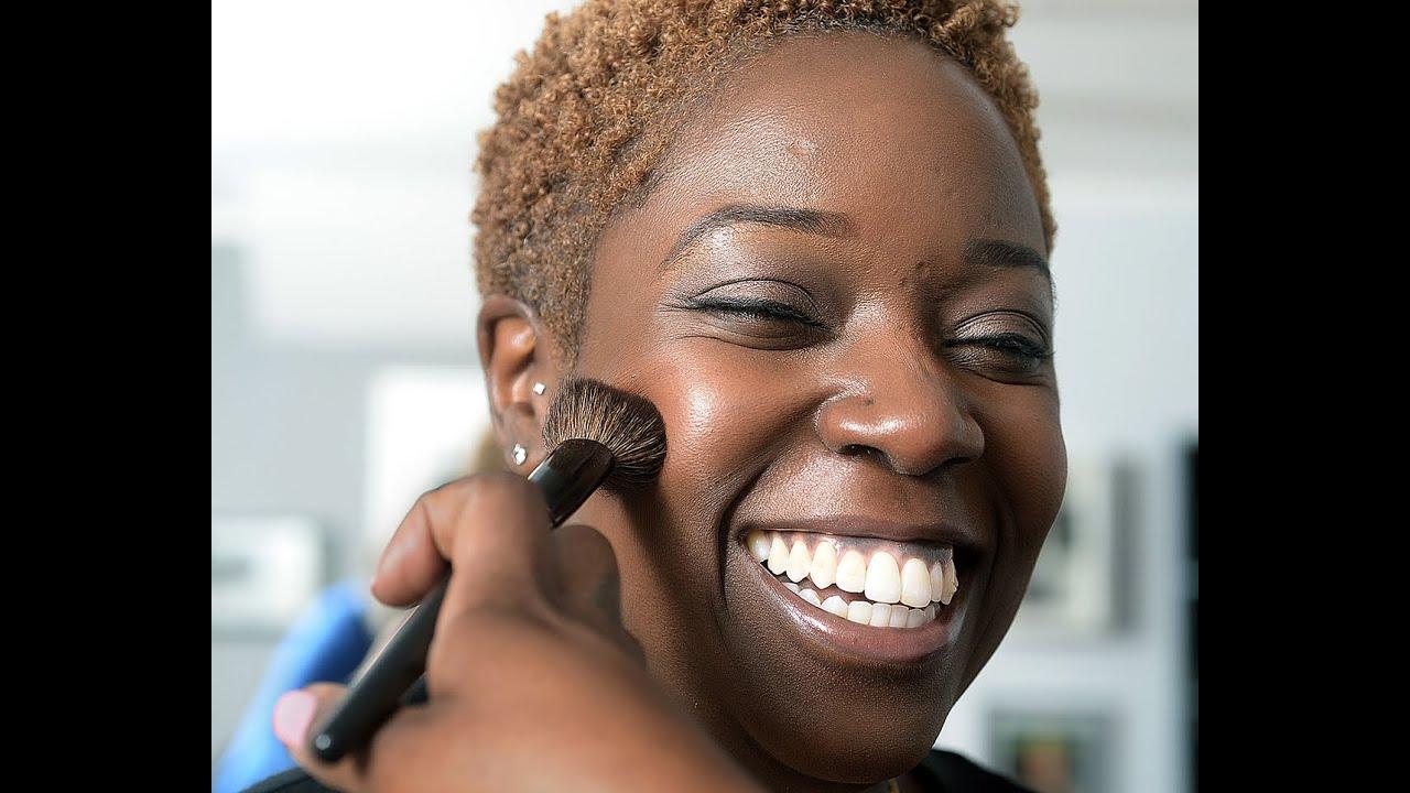 Makeup Artist Joy Randall Demonstrates Applying Bronzer On Dark And Light  Skin Tones  Youtube