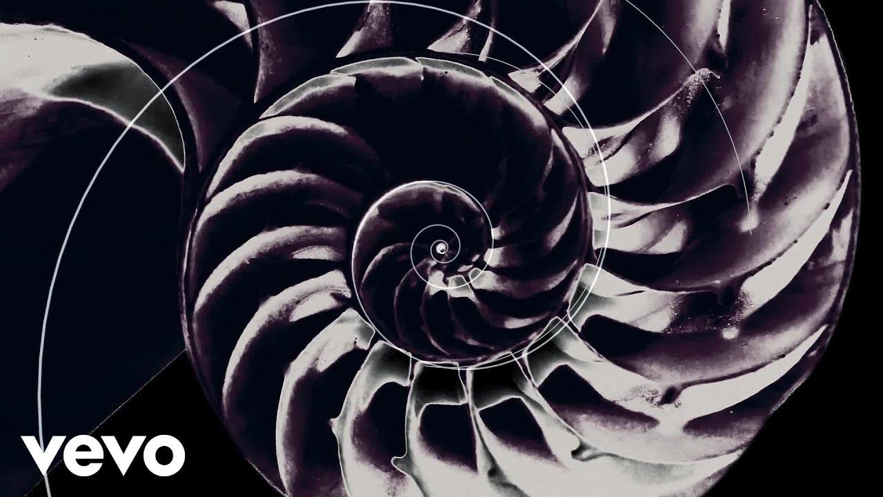 chvrches-never-ending-circles-lyric-video-chvrchesvevo