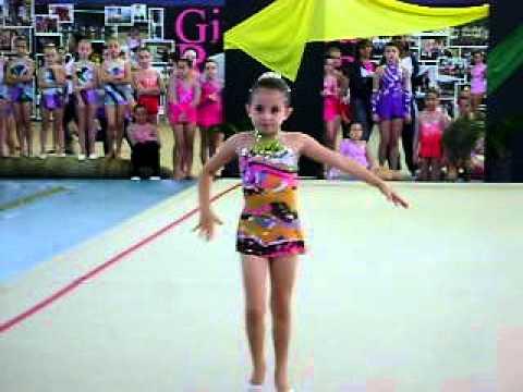 1deab702a2 Gabi na ginastica ritmica - YouTube