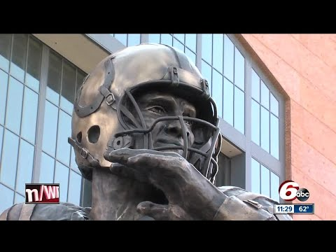 Colts unveil statue memorializing Peyton Manning in front of Lucas Oil Stadium