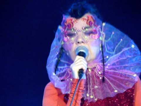 Björk - 5 years - live in Berlin 02.08.2015