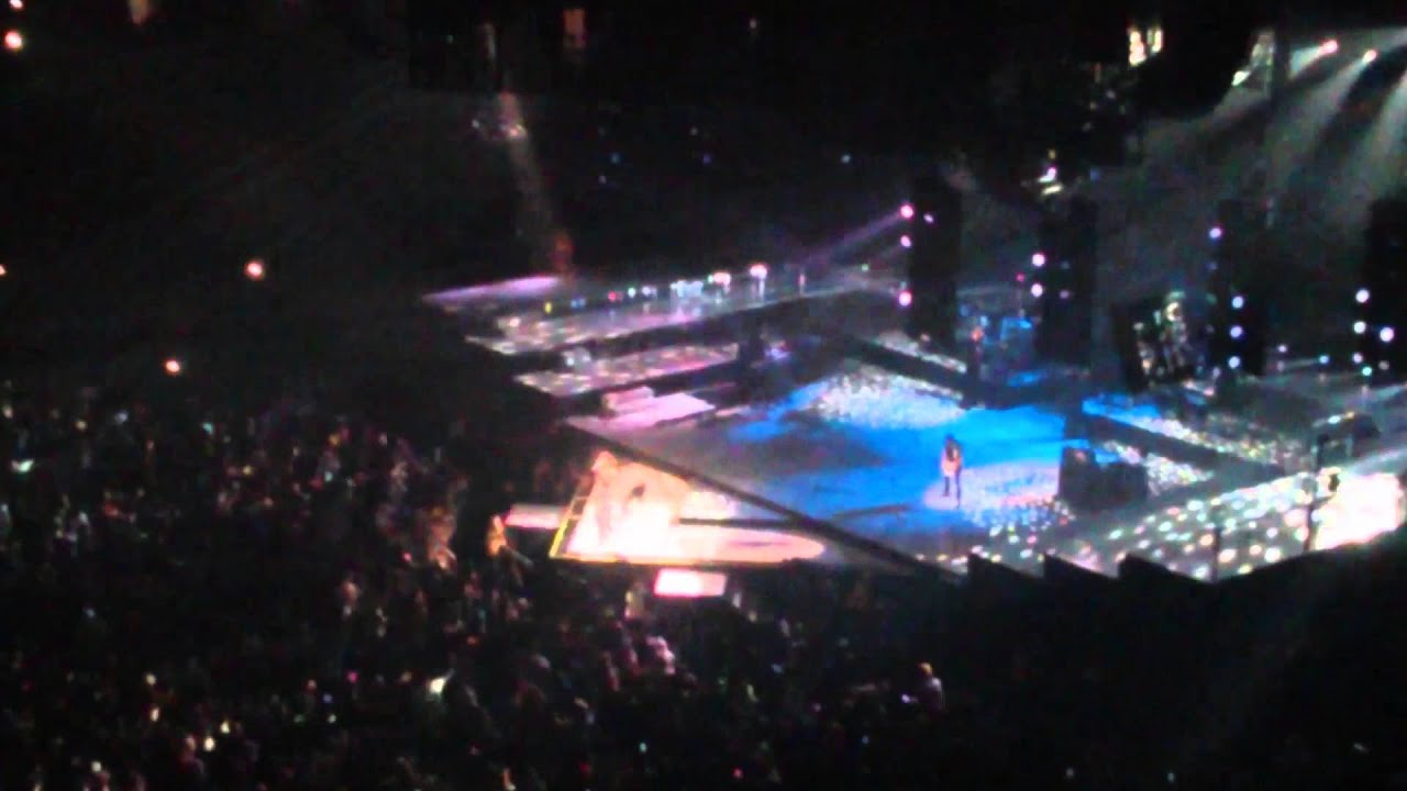 Rihanna diamonds world tour sorry, that