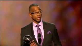 Stuart Scott long time ESPN Anchor Dies at 49