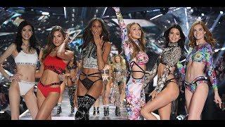 Kiss Poses at the 2018 Victoria's Secret Fashion Show