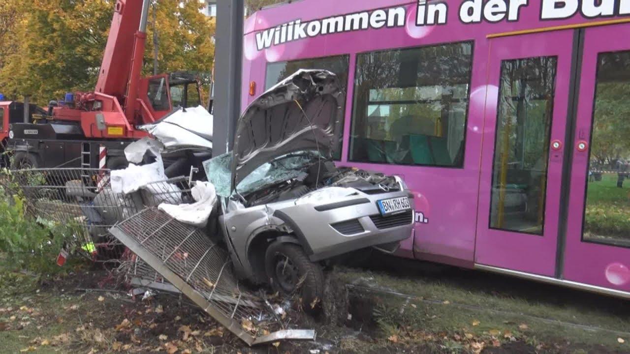 Tdlicher Straenbahnunfall durch Einsatzfahrt in Bonn