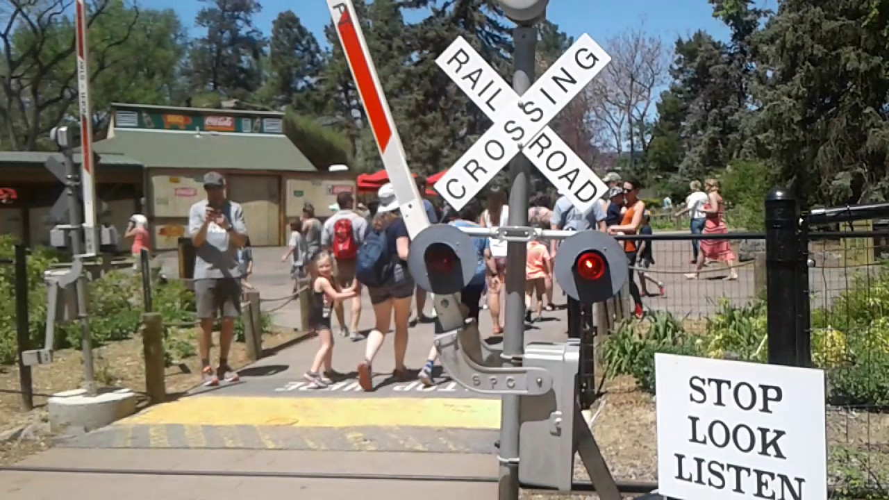 Denver Colorado Zoo Railroad Crossing With Bell Youtube