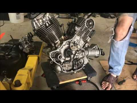 81' - 83' xv750 Virago flywheel and oil pump removal - YouTube