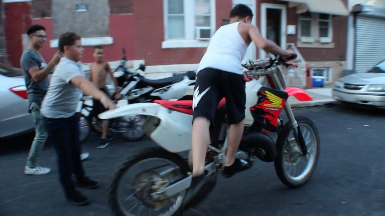 13 year old kid rides bike bigger then him !!!!!!!   BRAAP VLOGS