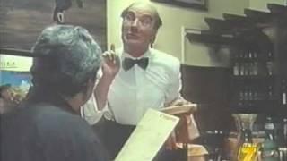 """Alfonso Tomas - Il cameriere Rudy in """"Pierino torna a scuola"""""""