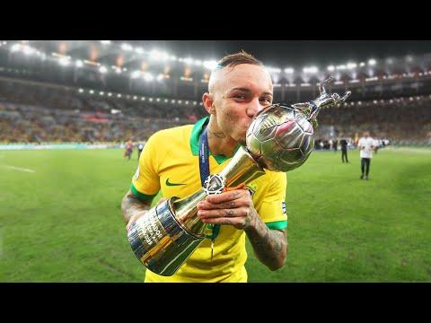 Эвертон Соарес Будущая звезда мирового футбола