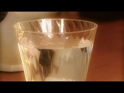 Se le cayó el Teatrito a Laura Bozzo de YouTube · Duración:  2 minutos 36 segundos