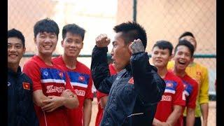 Tiếng cười - độc chiêu tâm lý của U22 Việt Nam trước trận quyết đấu với U22 Thái Lan