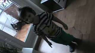 Download |малыш классно танцует|Yanchik Bananchik|