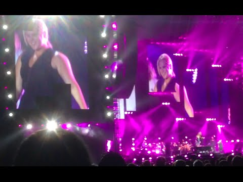 Amy Schumer, Jennifer Lawrence dance on Billy Joel's piano at Wrigley Field concert