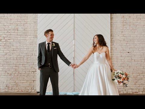andrew-&-glenna's-elegant-kansas-city-wedding-at-the-abbott-venue
