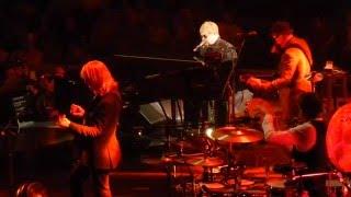 ELTON JOHN Tribute to George Martin (Beatles) DON