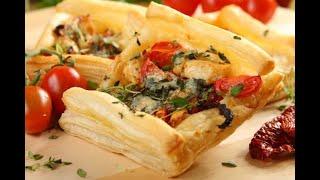 Przepis - Pierś z kurczaka w cieście francuskim (przepisy kulinarne Przepisy.pl)